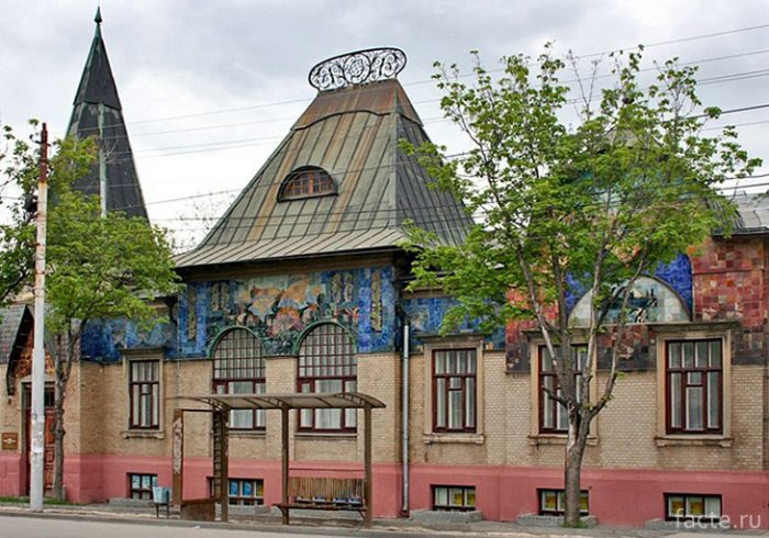 Дом-Шаронова-в-Таганроге