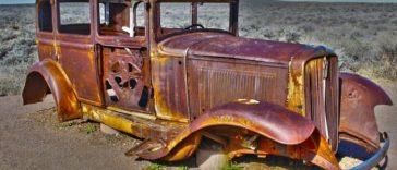 Ржавый ретро авто