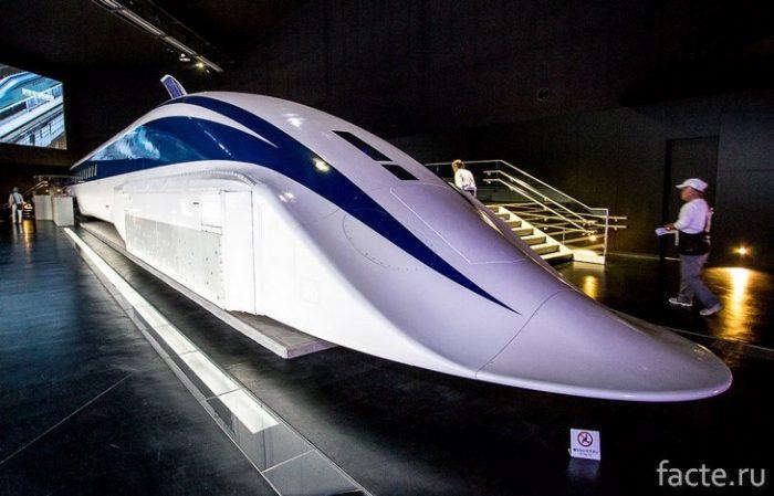 Японский поезд