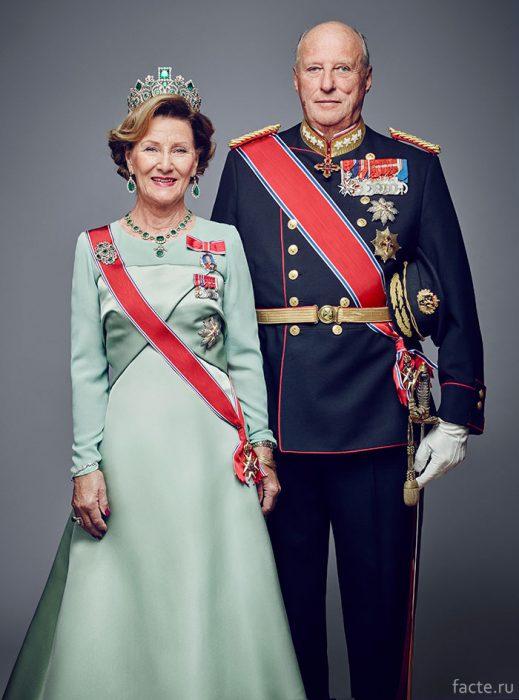Король Норвегии Харальд с супругой