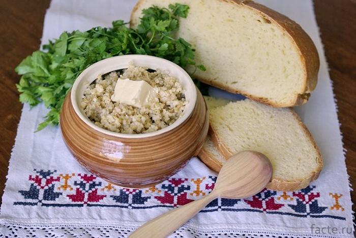 Каша и хлеб