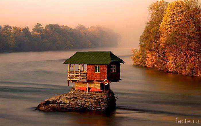 Дом на камне