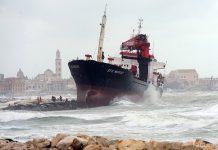Турецкий-торговый-корабль-Efe-Murat