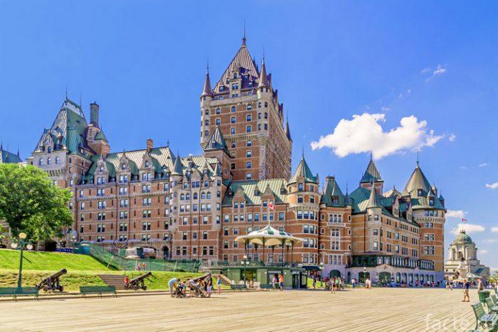 Замок Фронтенак канада
