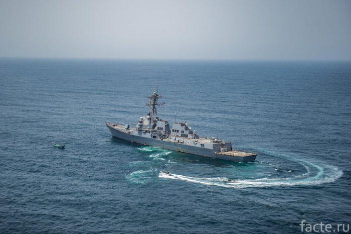 корабль в аденском заливе