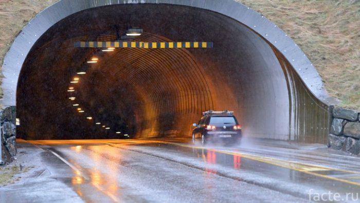 Эйксуннский тоннель в Норвегии