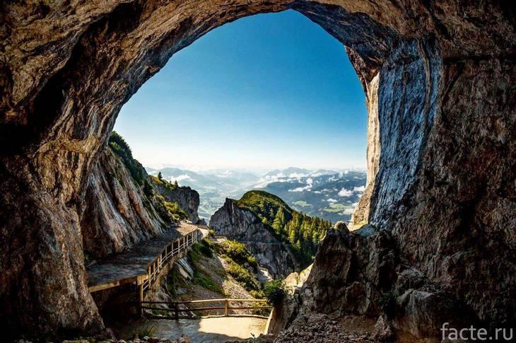 Eisriesenwelt вид из пещеры
