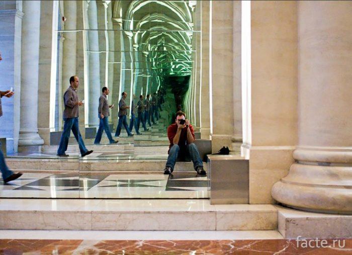 Испания- зеркальный туннель
