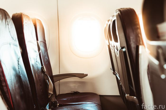 сиденья в самолете