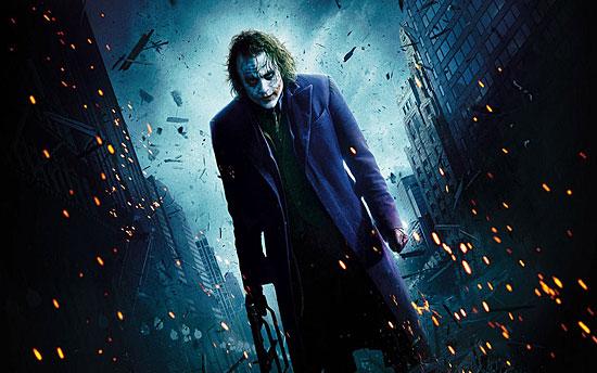 Для того, чтобы подготовиться к роли Джокера, Хит Леджер заперся в отеле на месяц