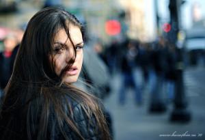 madam 300x205 87% людей считают, что чувствуют, когда кто нибудь на них смотрит.
