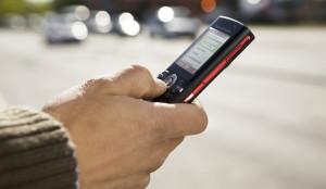 Почему пешеходам в США запрещают отправлять смс на ходу?