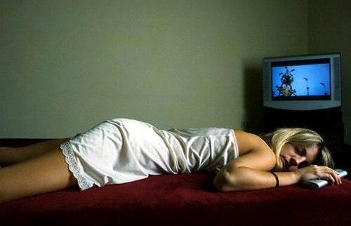 Почему вредно спать на животе?