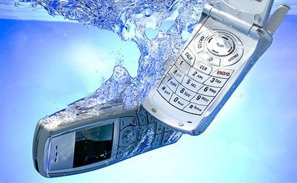 Как реанимировать упавший в воду мобильный