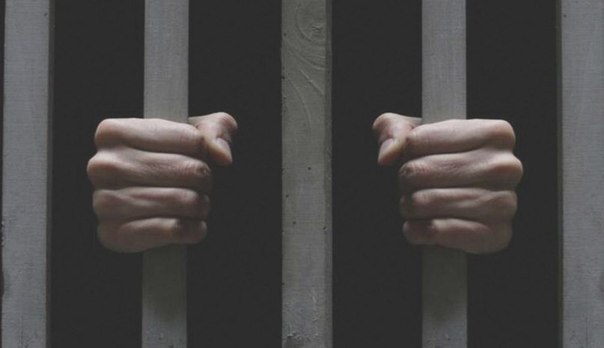Почему в 1897 году мужчина попал в тюрьму из-за показаний призрака?