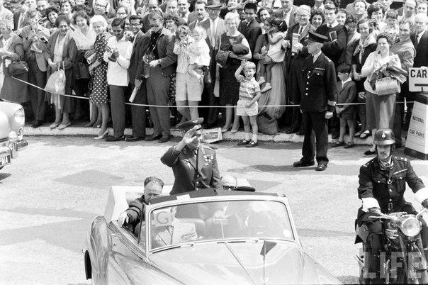Гагарин в гостях у королевы Великобритании