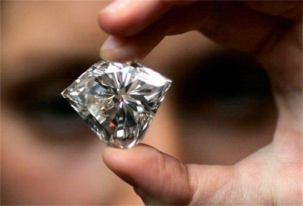 Почему бриллиант считается одним из самых дорогих драгоценных камней?