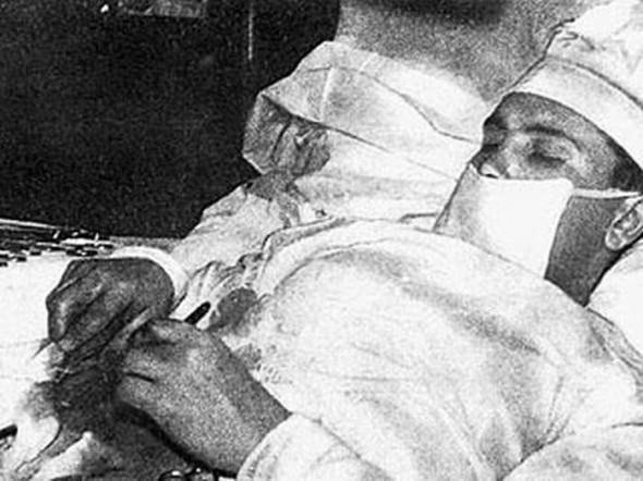 Леонид Рогозов. Сам себе хирург