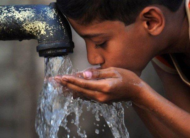 10 причин пить больше чистой воды
